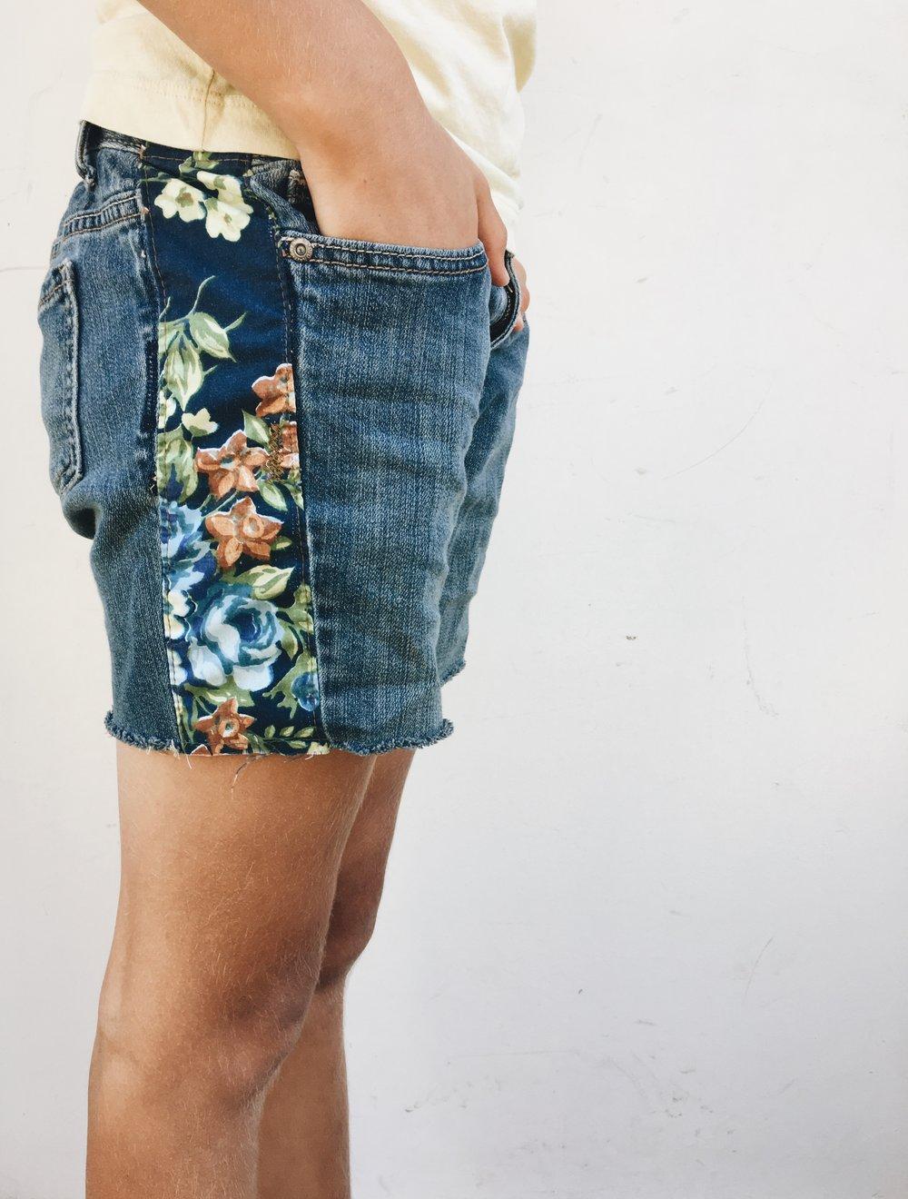 Jean Cuttoff Shorts Boho Style DIY via Bluecorduroy.com
