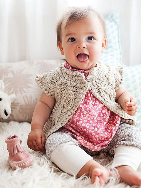 Make a sweater yourself with this beautiful Cleire Cardigan from  Ravelry
