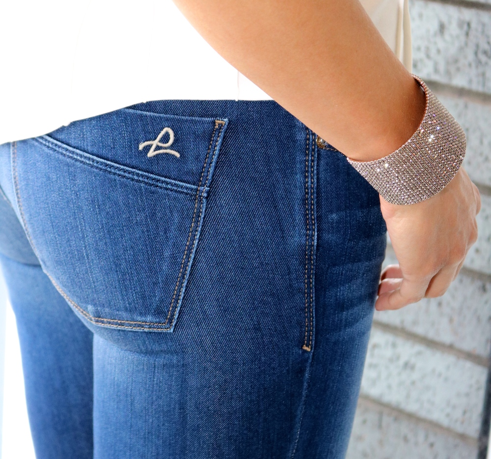 How cute are these pockets?  We adore these jeans!  They are so comfortable!  Love!