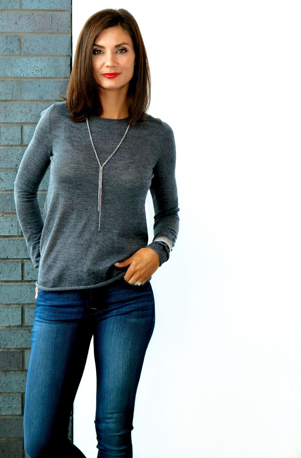 Christopher Fischer ANIKA Cashmere Crew Neck in Charcoal