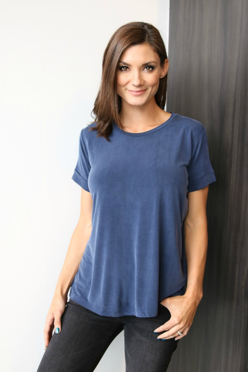 Cupro Short Sleeve Crewneck with HiLo in Marine