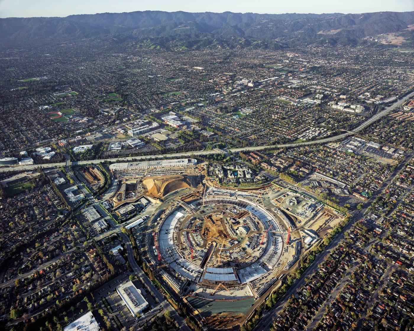 Apple Campus 2 aerial photo