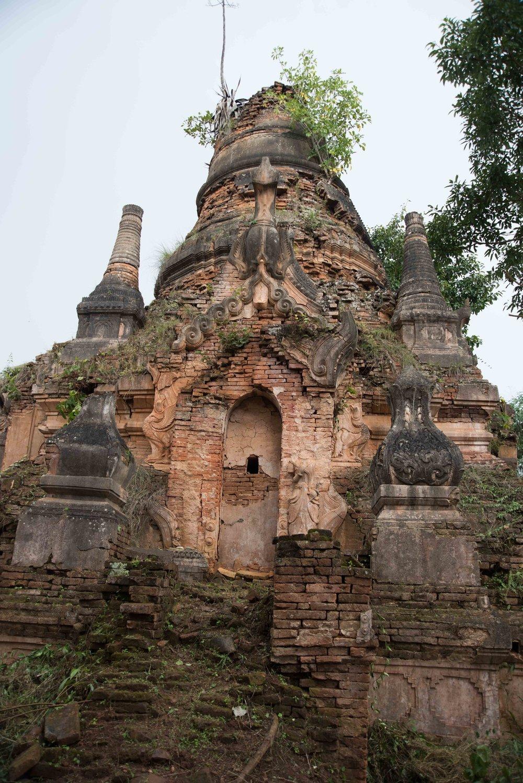 e11b0c08d0 Stupa ruins 009