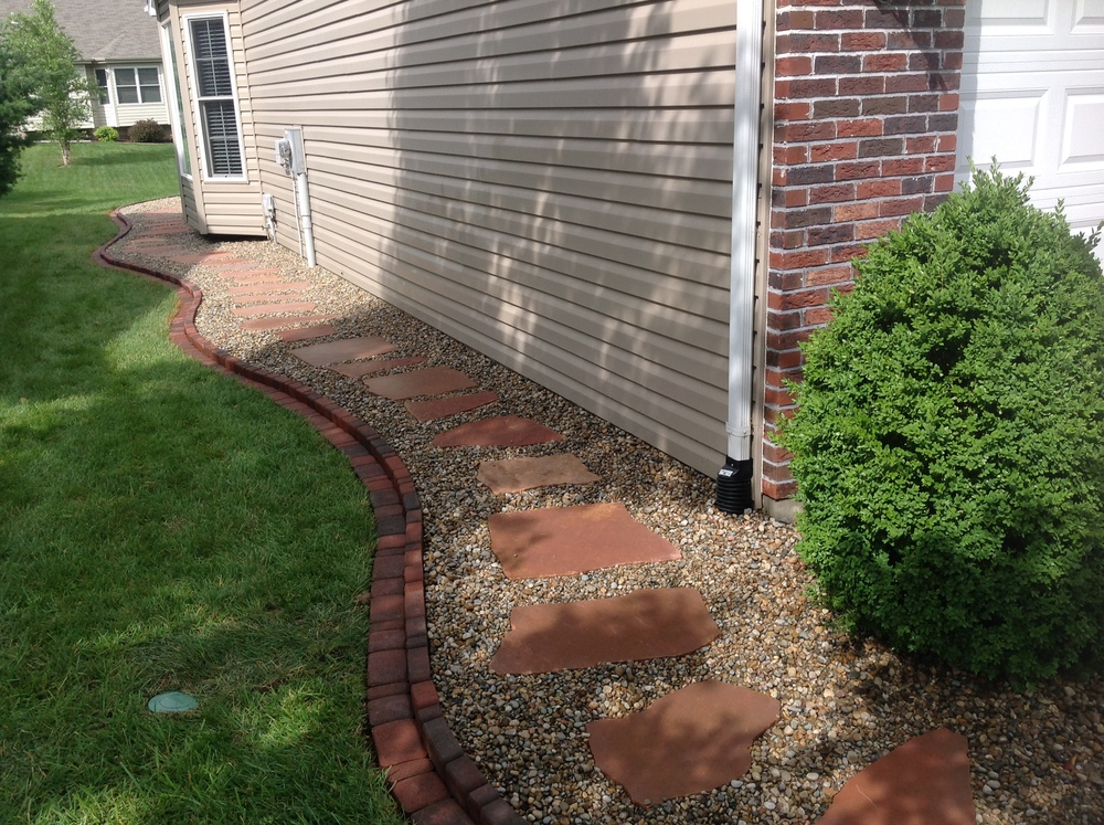 Landscape Edging and Stone Path