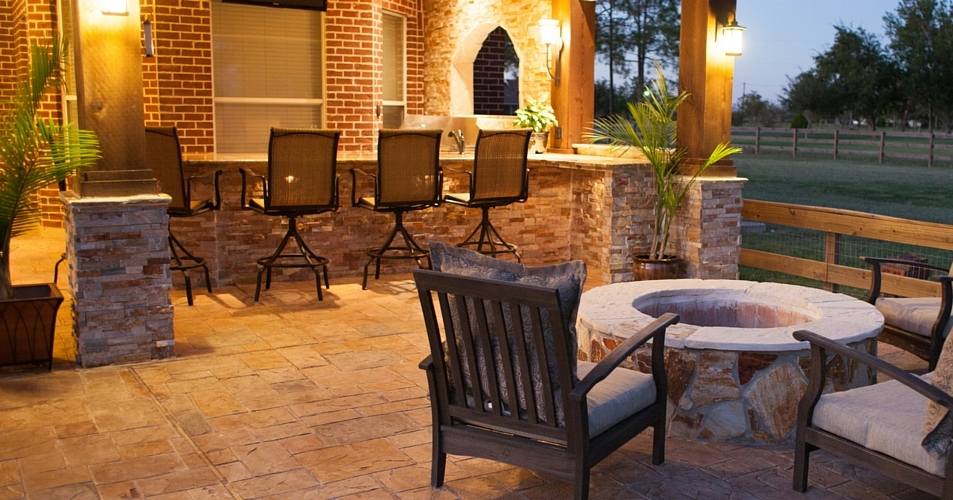 Outdoor Kitchen Firepit