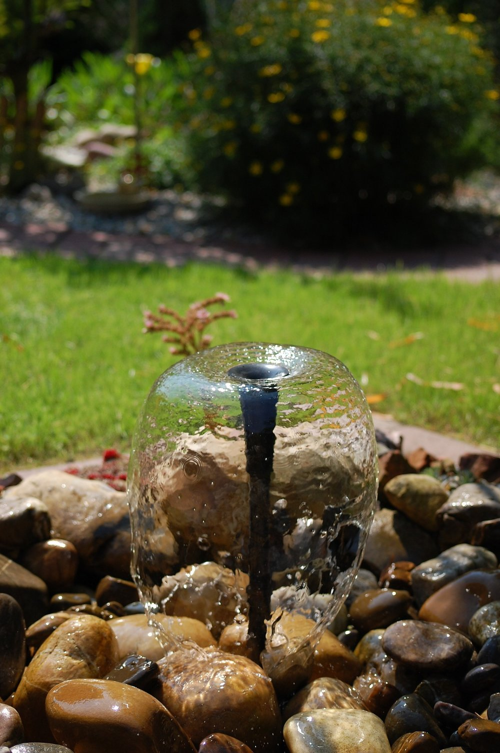 fountain-1967683_1920.jpg