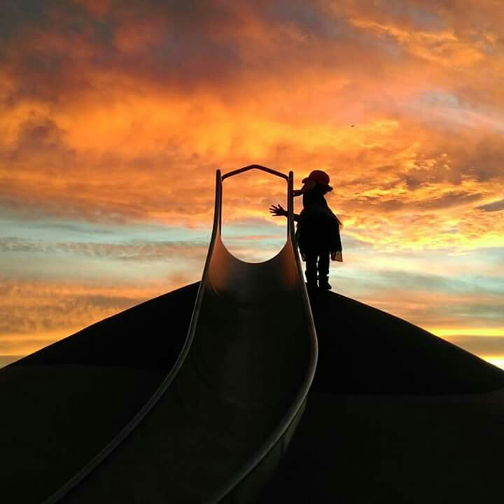 Chase the sunset at Harpley Estate Playground. This is a huge playground with plenty of equipment to keep everyone happy. Pick a good night to watch the sun go down and this place is magic, keep an eye out for some ripper silhouette shots.