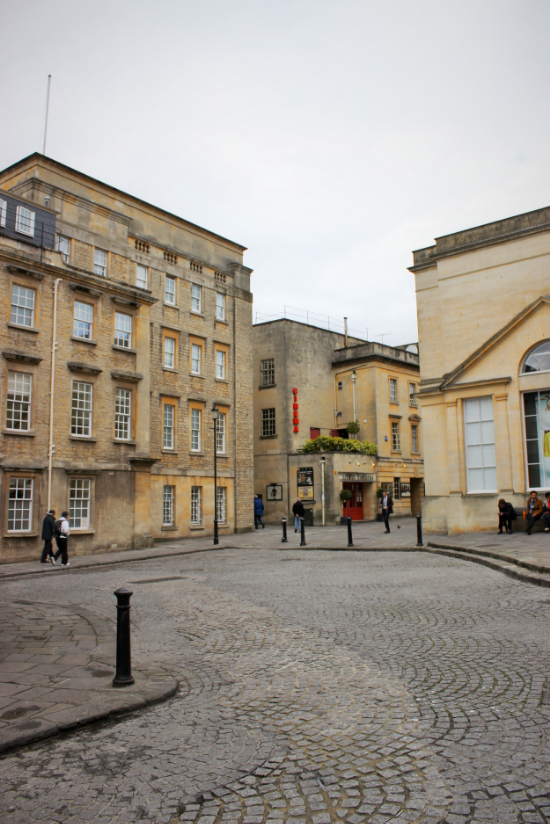 the english bus walking tour bath