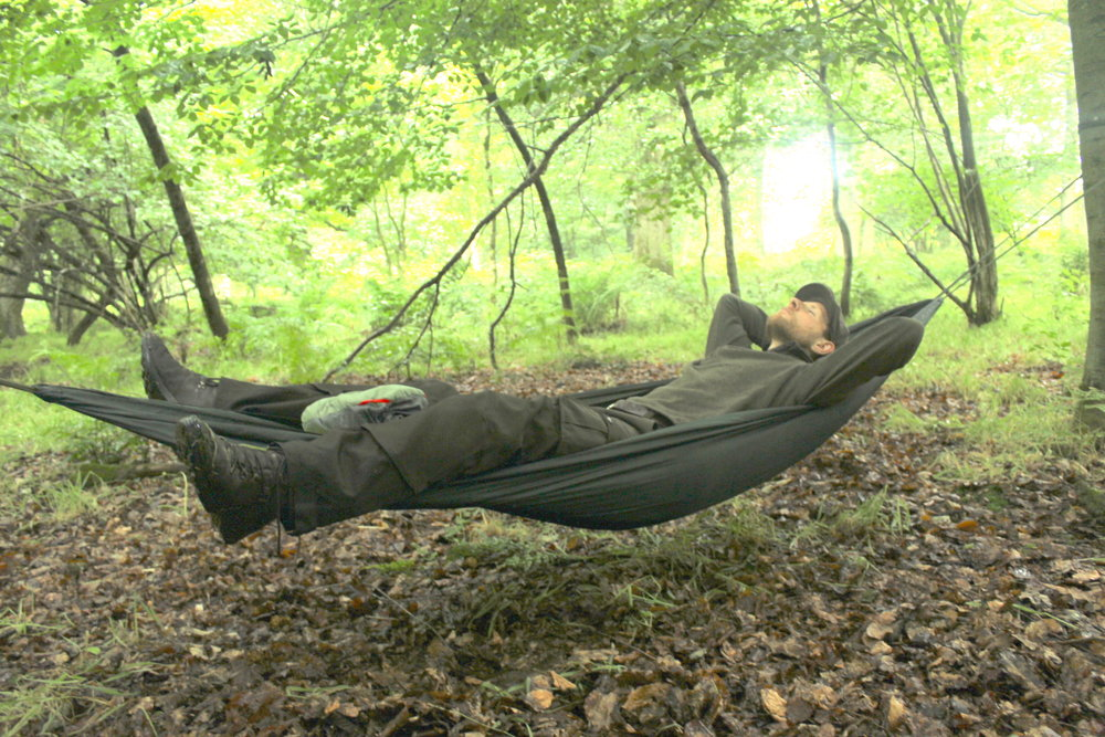 the dd camping hammock is dd u0027s entry level option and belies its low price tag with rugged construction reassuringly tough suspension webbing and the     how to shoot spring riflesdd hammock  u0026 tarp  u2014 charlie u0027s rifles  rh   charliesrifles co uk