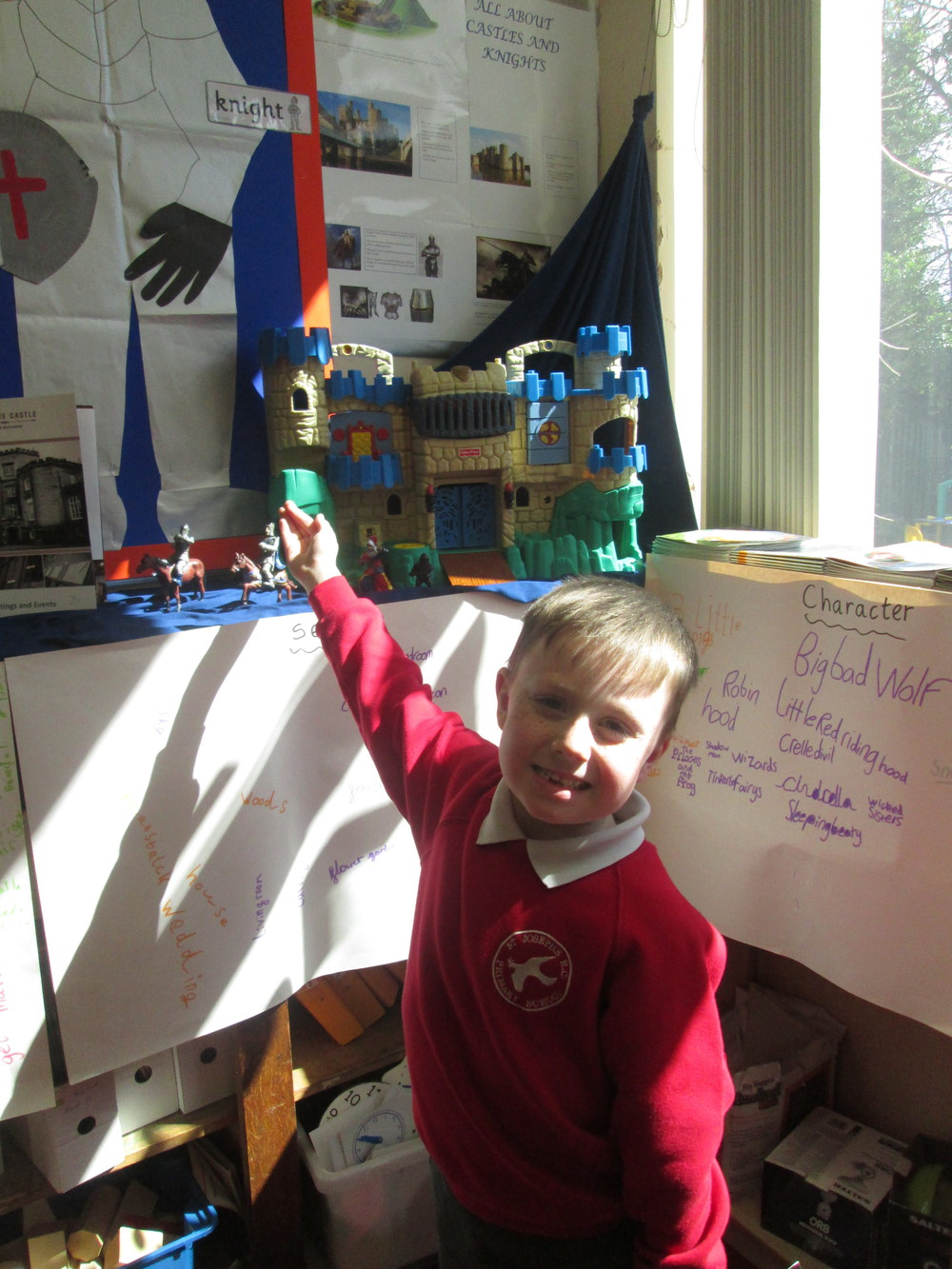 Another amazing effort by Gabriel, who produced this enormous castle information poster.Gabriel worked hard to overcome the disappointment of losing his first draft in a computer disaster!