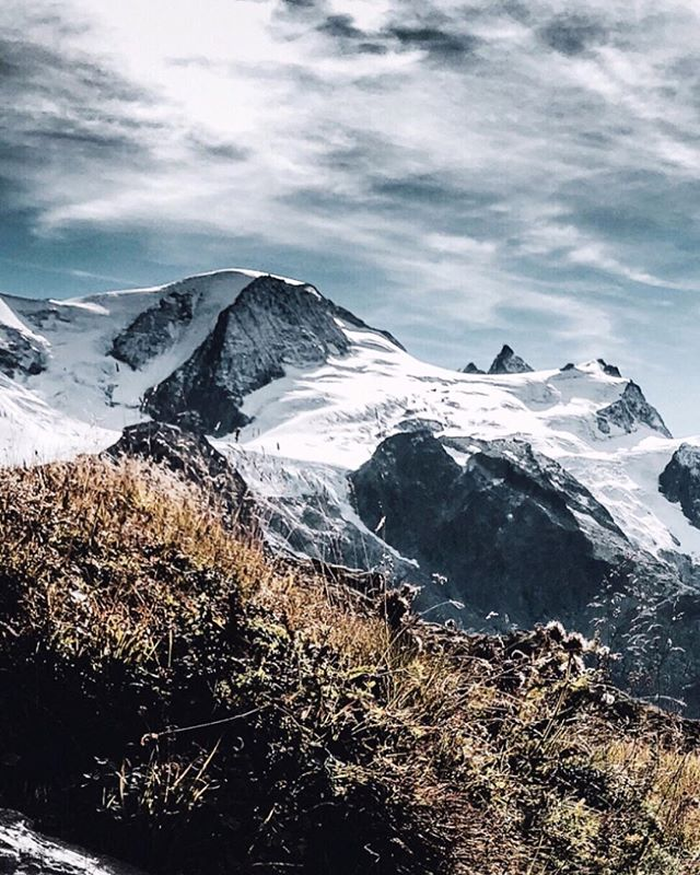 #switzerland #beautifuldestinations #explore #landscape #hiking #travelawesome #traveltagged #travelexploring #theoutbound #backpackerphotos #travellingthroughtheworld #neverstopexploring #travelstoke #landscapephotography #lifeofadventure #adventure #nature #discoverearth #earthpix #earthfocus #gh5photography #gh5 #panasonicgh5 #lumixgh5