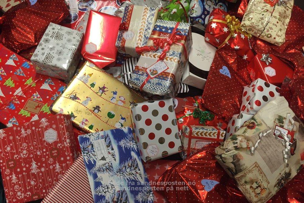 Byen gikk sammen og samlet inn mange fine julegaver til de som ikke har så mye.