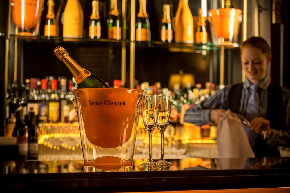 Gallery_-_Hotel_Veuve_Clicquot_Champagne_Bar_II.jpg
