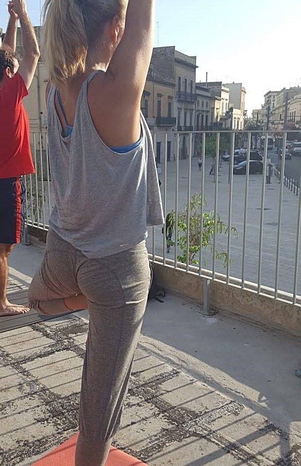 Sunrise Yoga in Lecce - Tree Pose - Vrksasana -, Puglia