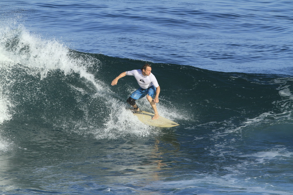Me, ULUWATU BALI, Just setting up for a tube ride before i got totally demolished by the lip!!