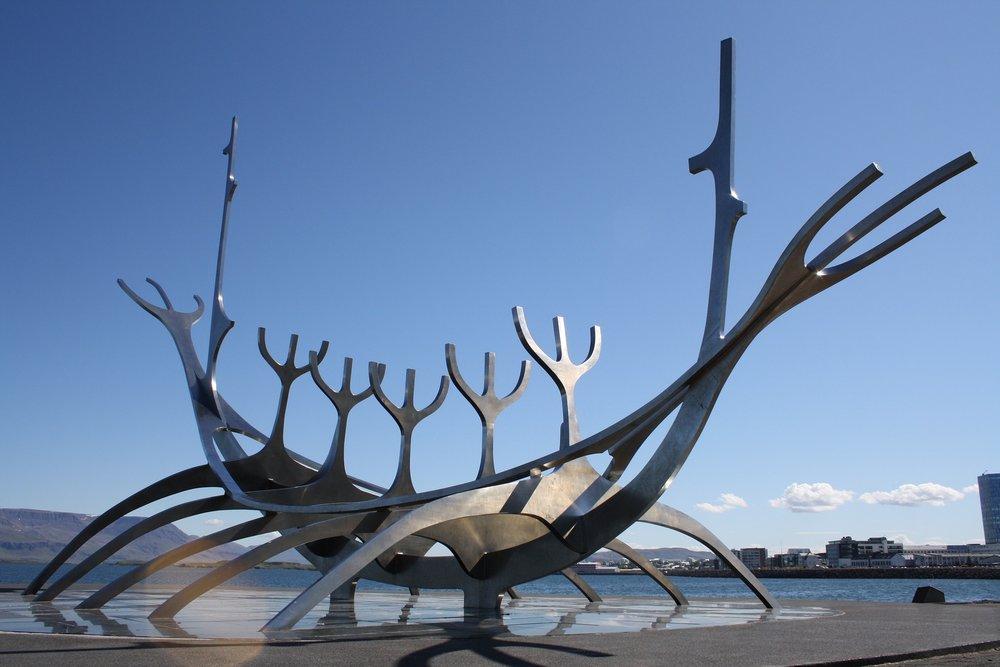 reykjavik-1713636_1920.jpg