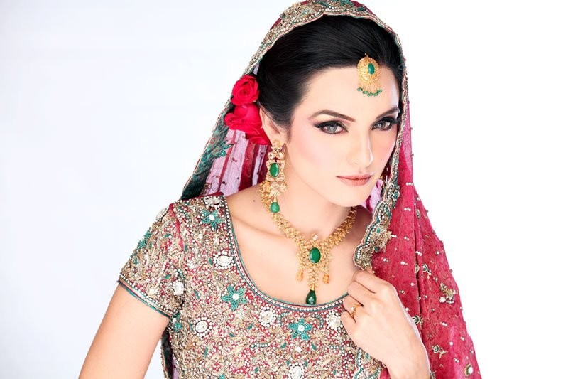 Pakistani-Dulhan-HD-Wallpapers.jpg