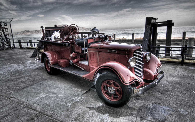 Register — Classic Car Round-Up