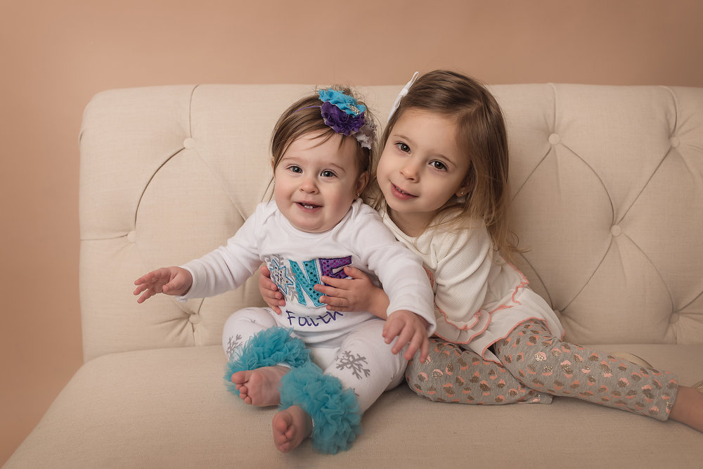 Jessica Fenfert Baltimore Maryland Baby Photographer sisters studio