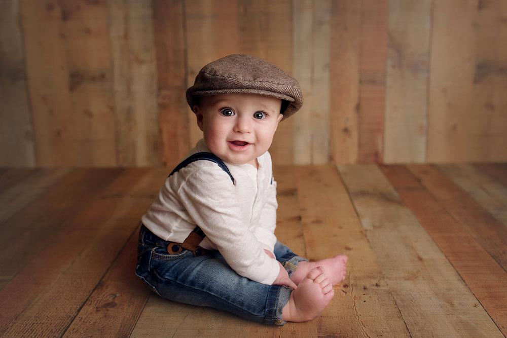 Jessica Fenfert Baltimore Maryland Newborn Baby Photographer 2017 6 month boy smiling.jpg