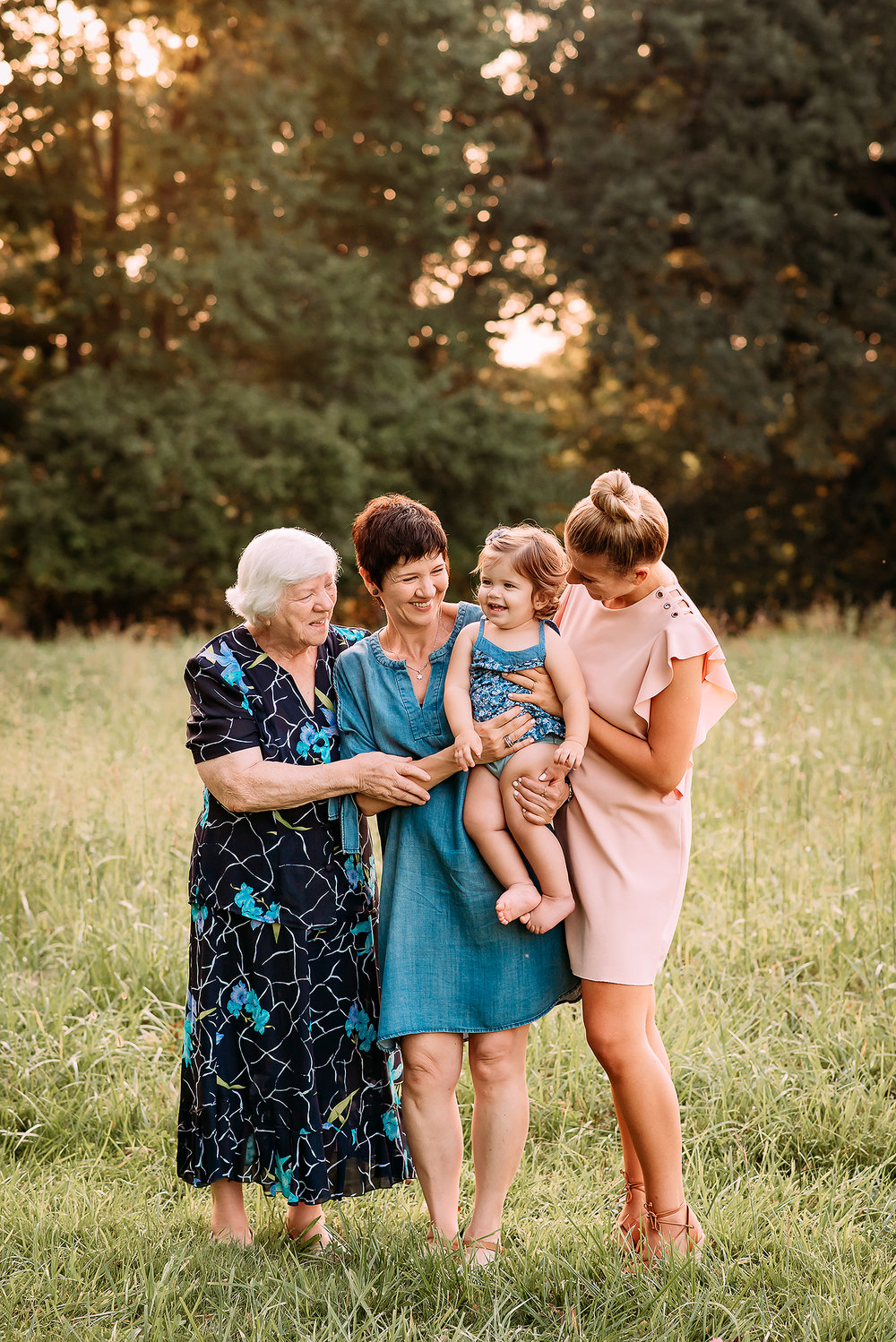 Baltimore Maryland Family Photography Hampton mansion Towson 4 generations photo Jessica Fenfert
