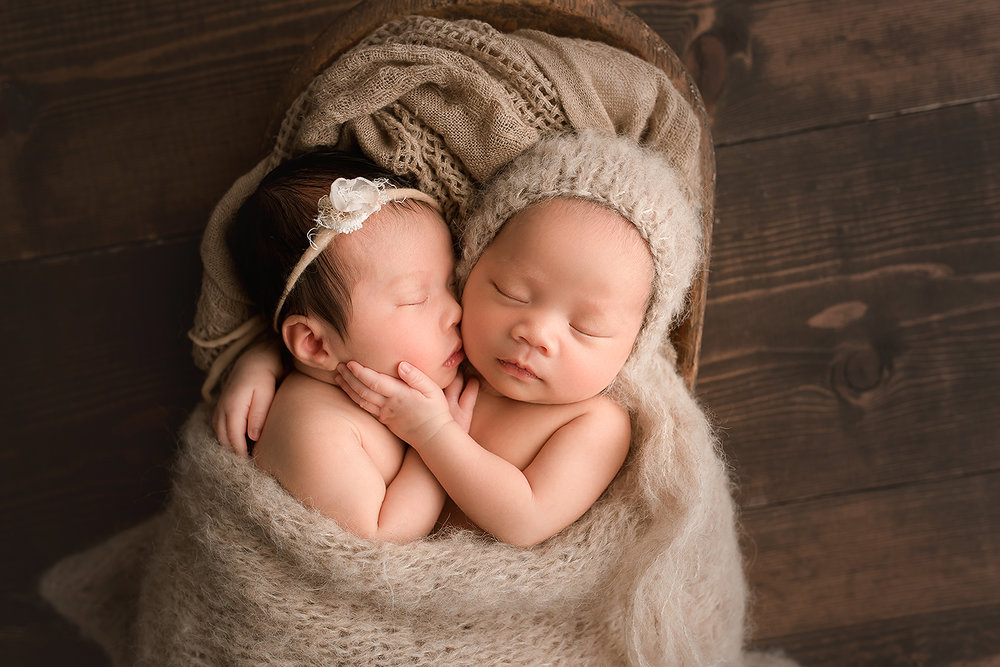 Baltimore Maryland Newborn Photographer Jessica Fenfert boy/girl twins