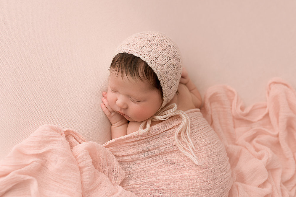 Baltimore Maryland Newborn Photographer Jessica Fenfert baby girl in pink