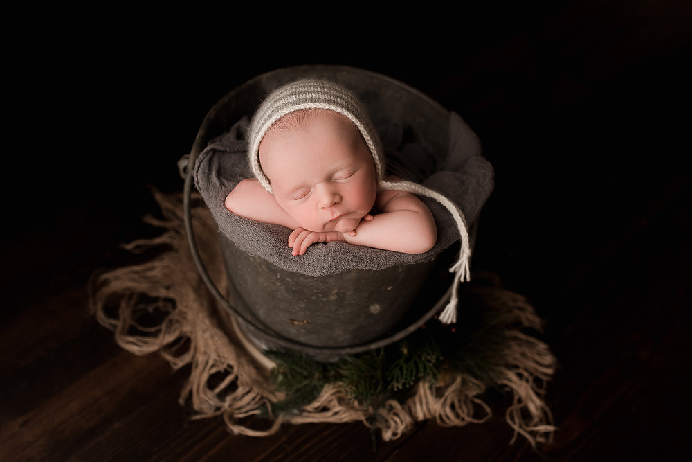 Baltimore Maryland Newborn Photgrapher Jessica Fenfert baby boy in a bucket