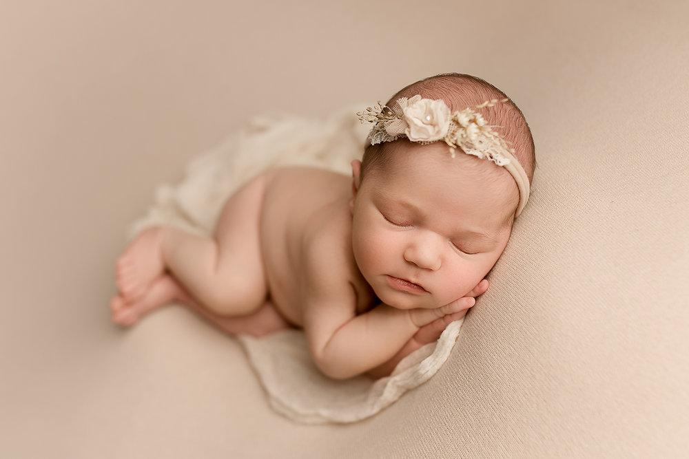 Jessica Fenfert Baltimore Maryland Newborn Photographer side lying