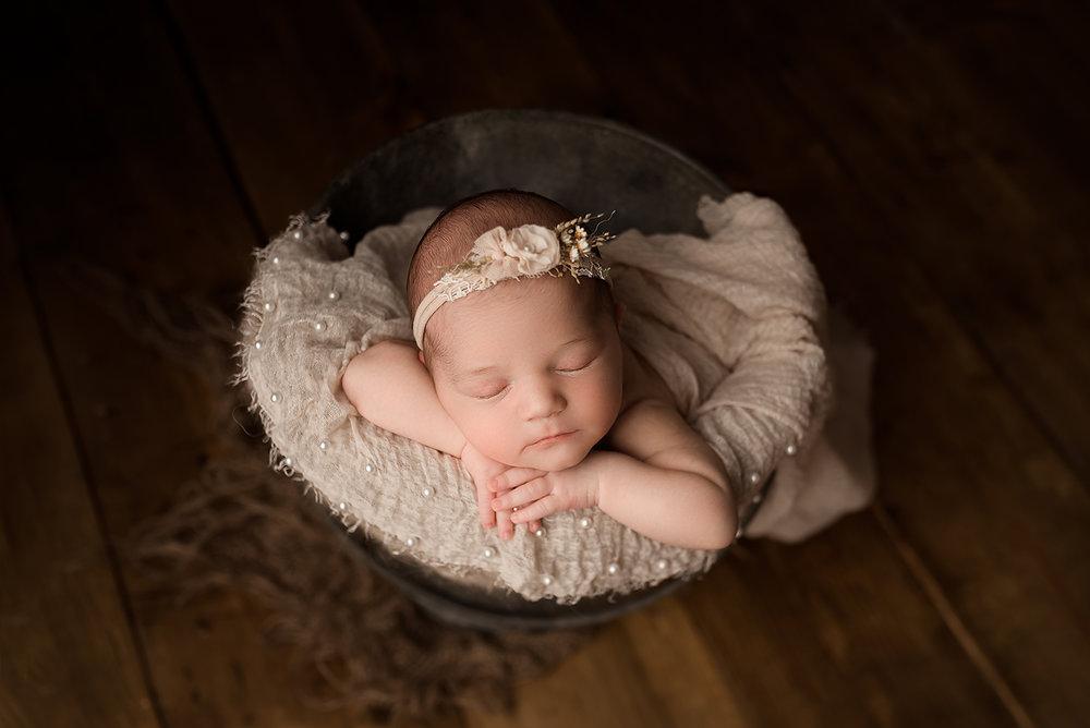 Jessica Fenfert Baltimore Maryland Newborn Photographer bucket