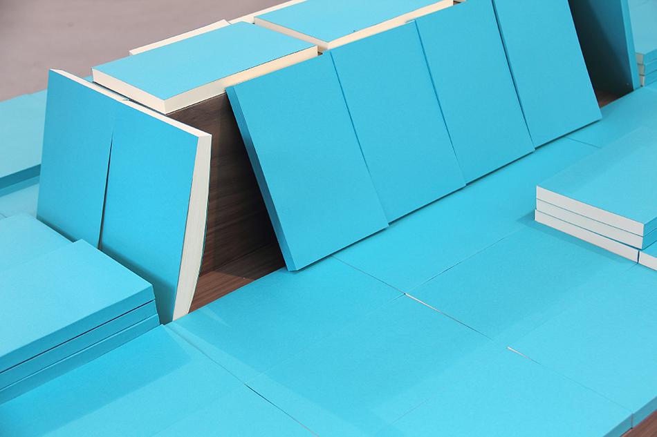 Mesa / Table  , 2014    Papel, madera, libros / Paper, wood, books    102 x 172 x 112 cm    Detalle / Detail