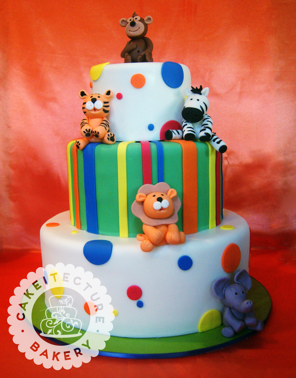 jungle animals cake.jpg