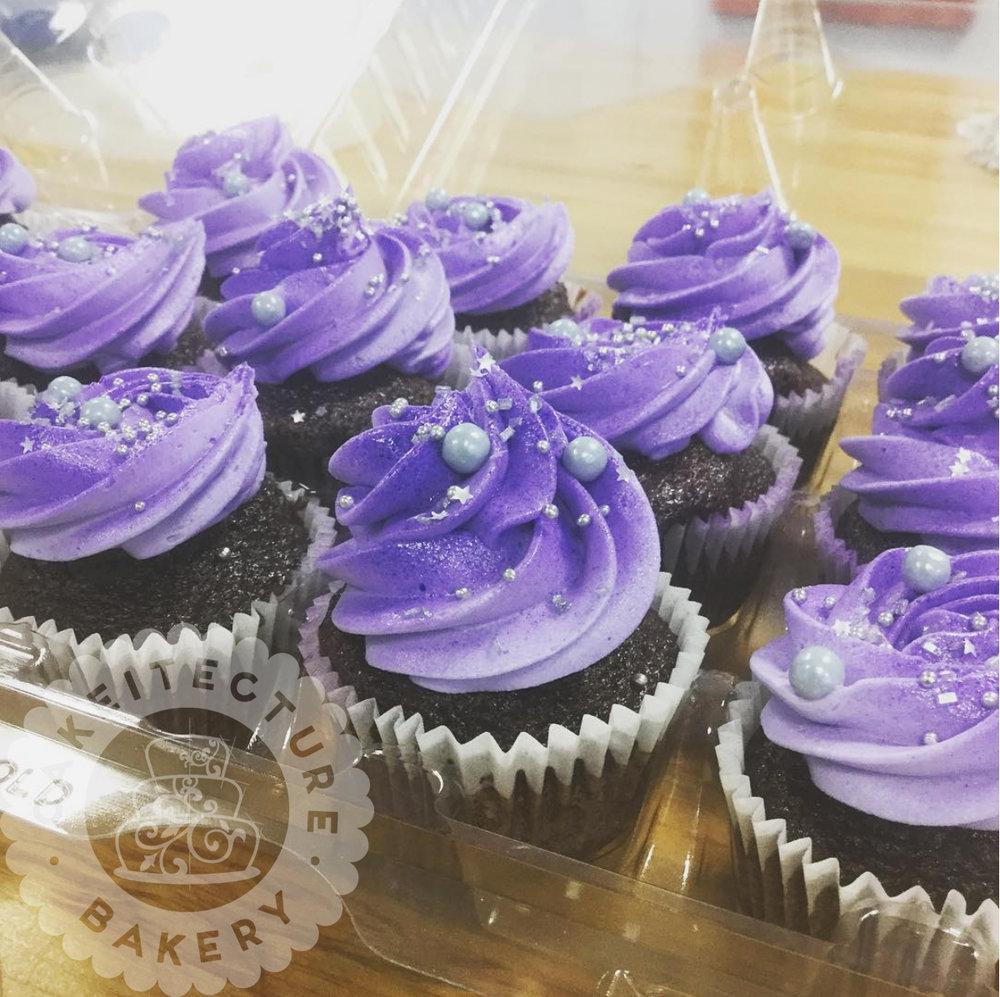 Cakeitecture Bakery galaxyl cupcakes.jpg