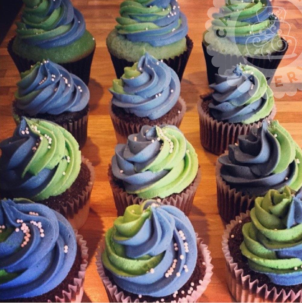 Cakeitecture Bakery go hawks! cupcakes.jpg