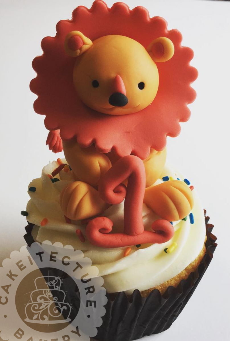 Cakeitecture Bakery lion topper.jpg