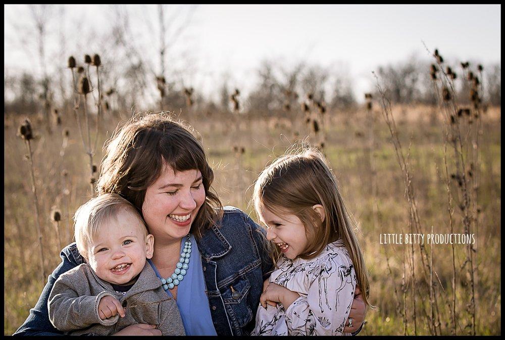 motherhoodphotographyoakpark_0320.jpg