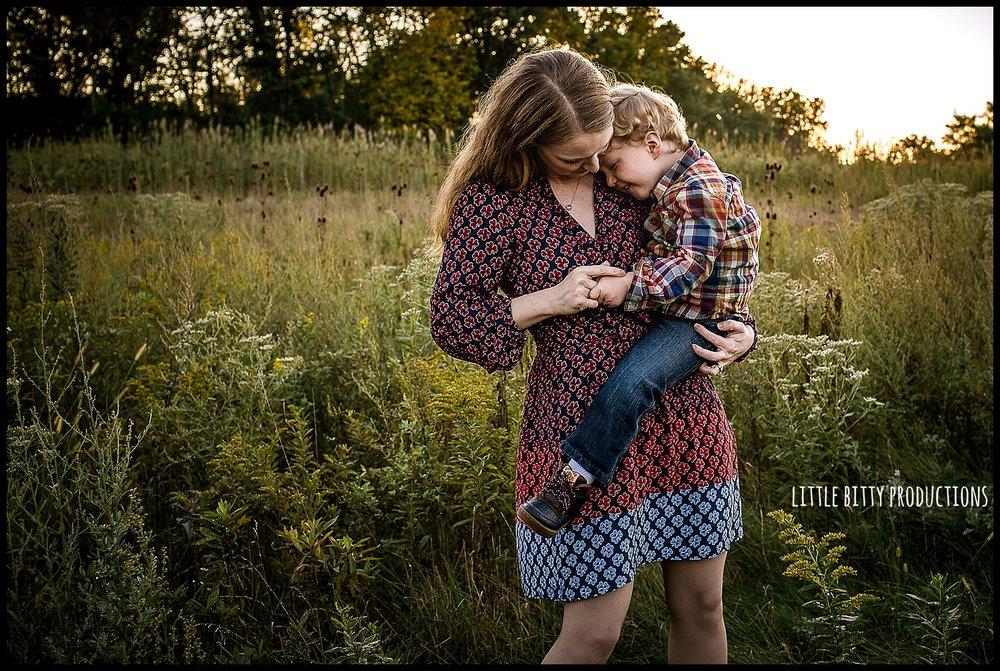 motherhoodphotographoakpark1.jpg
