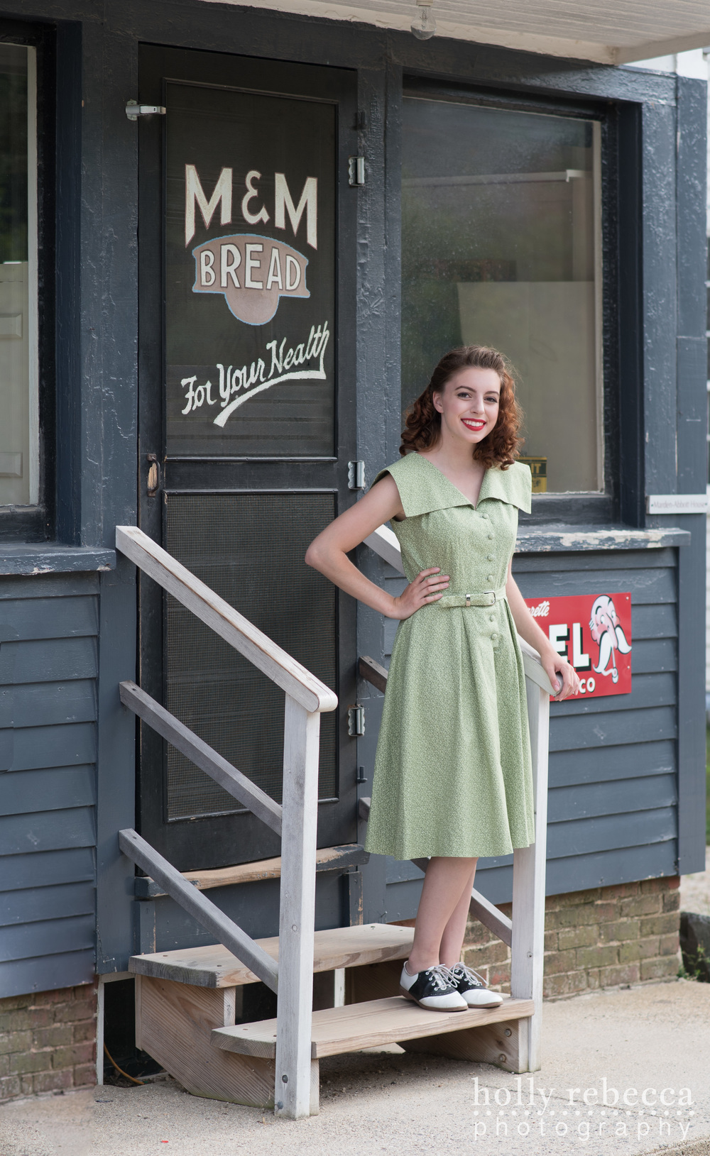 Dorothy Holt - Abbott Store 1943