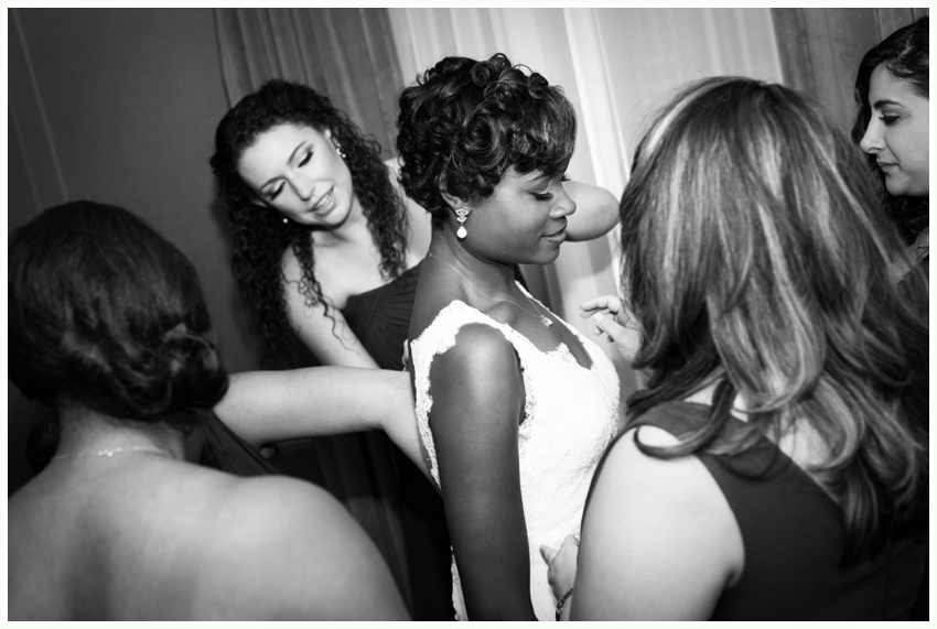 9_urbanrowphoto_bride_getting_dressed