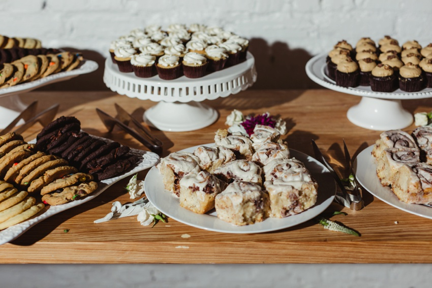 baltimore-wedding-photographer-accelerator-space-dessert-table_0001.jpg