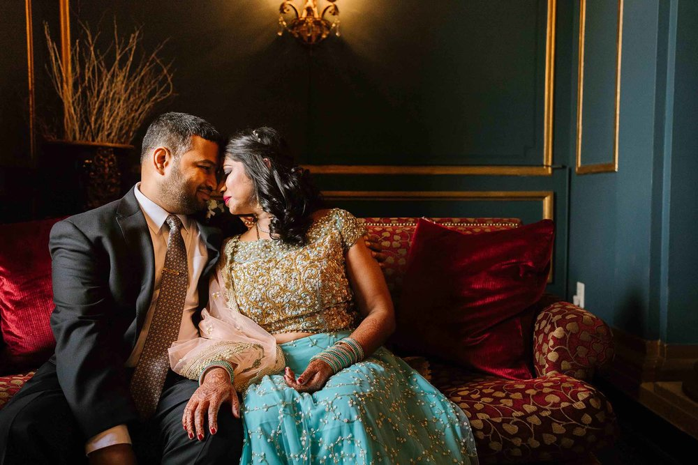 baltimore_wedding_photographer_urban_row_photography_belvedere_hotel_mount_vernon 15.jpg