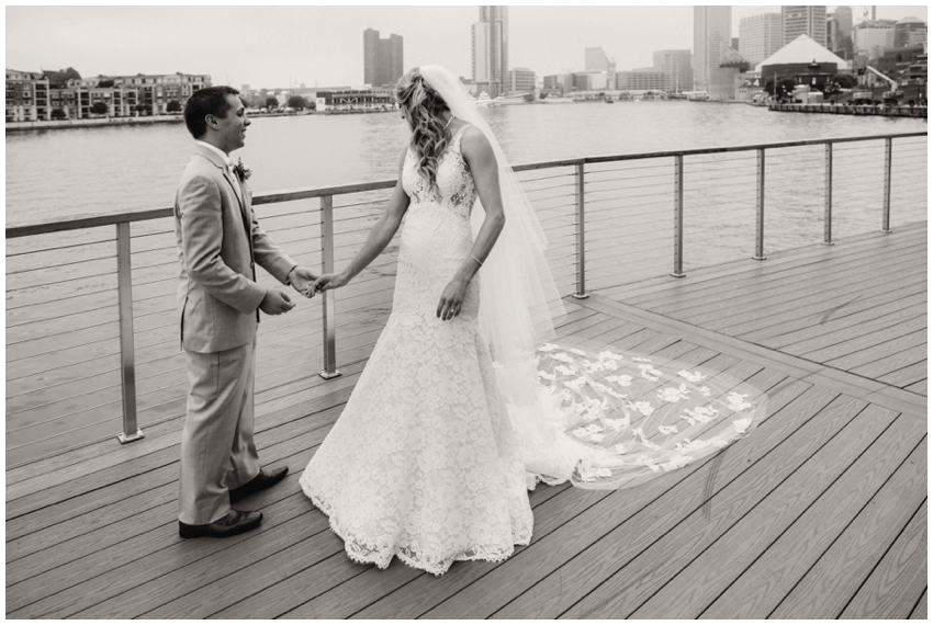 candid-baltimore-wedding-photographer-urban-row-photo_0024.jpg