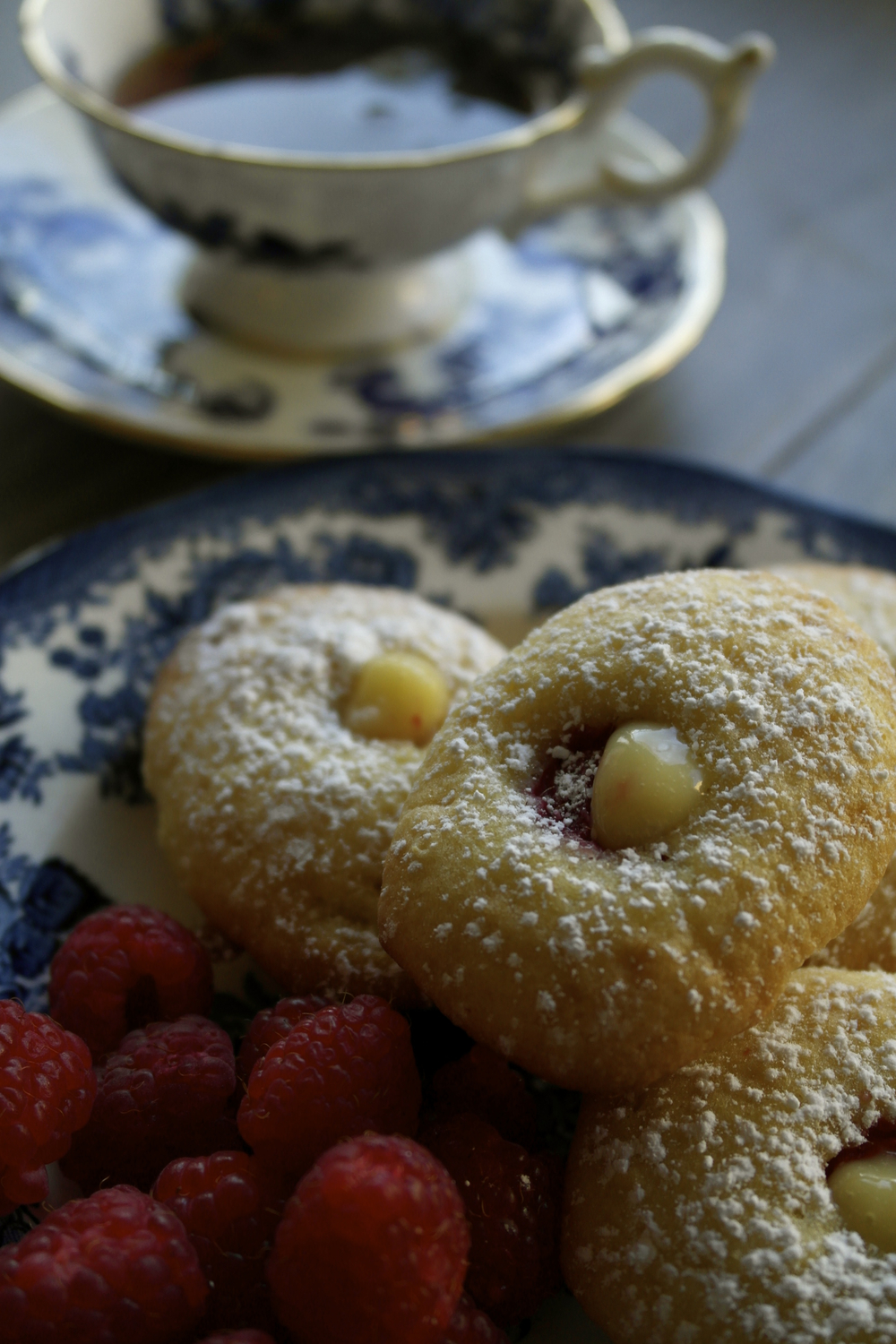 French Madeleines with lemon curd 6.jpg