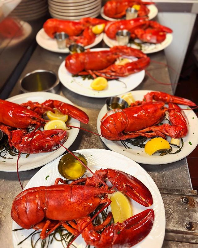 It's going to be a lobsterful summer here at #fishnyc ❤️😋🍽