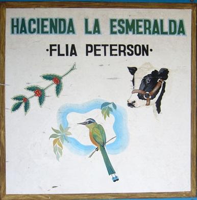 Hacienda-La-Esmeralda-Sign