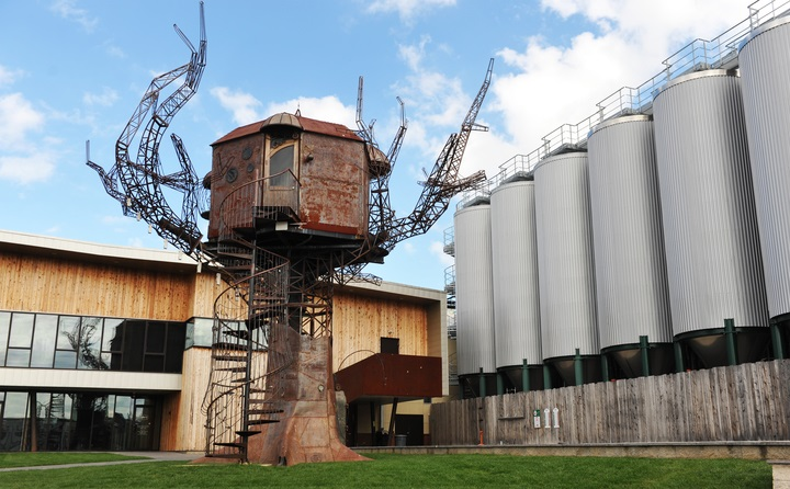 The Dogfish Head Brewery also features the Steampunk Tree House, a lunch truck, bocce and cornhole!