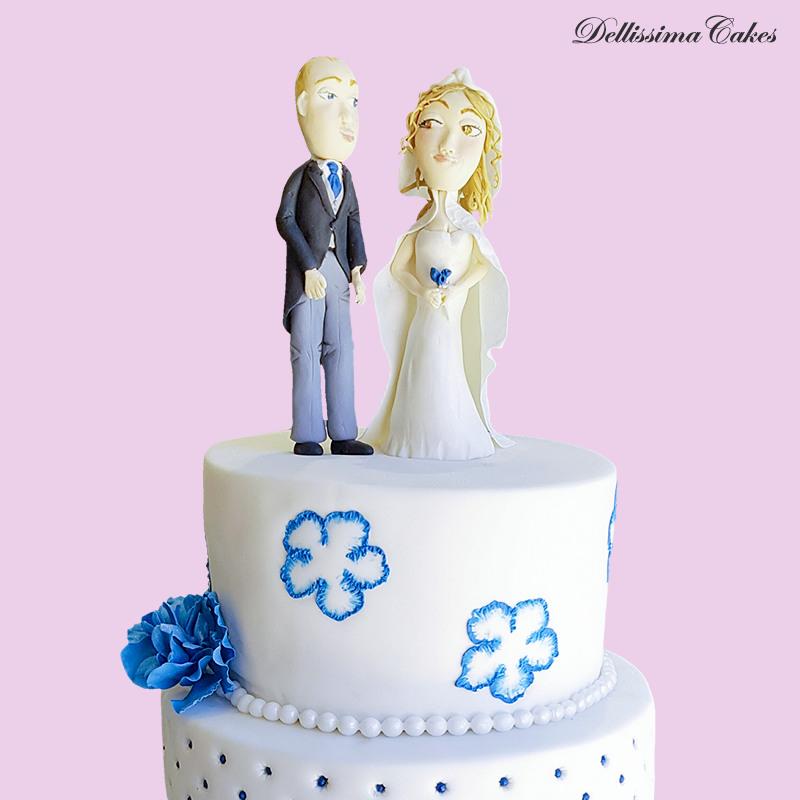 white-blue-wedding-cake-figures.jpg