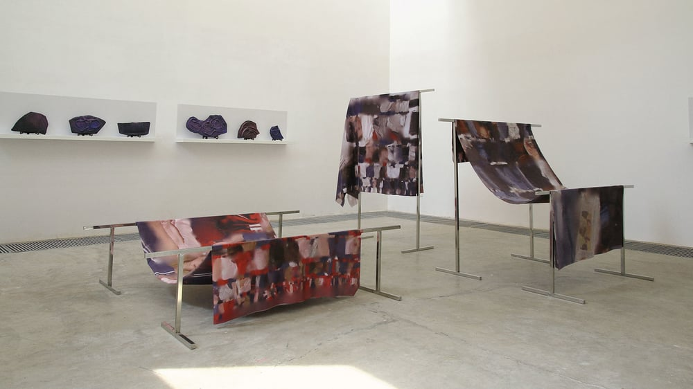 Laocoon II, Grégory Chatonsky and Dominique Sirois (Unicorn centre for art, Beijing, China), Prints on fabric, metal structures, ceramics, acrylic paint, shelves