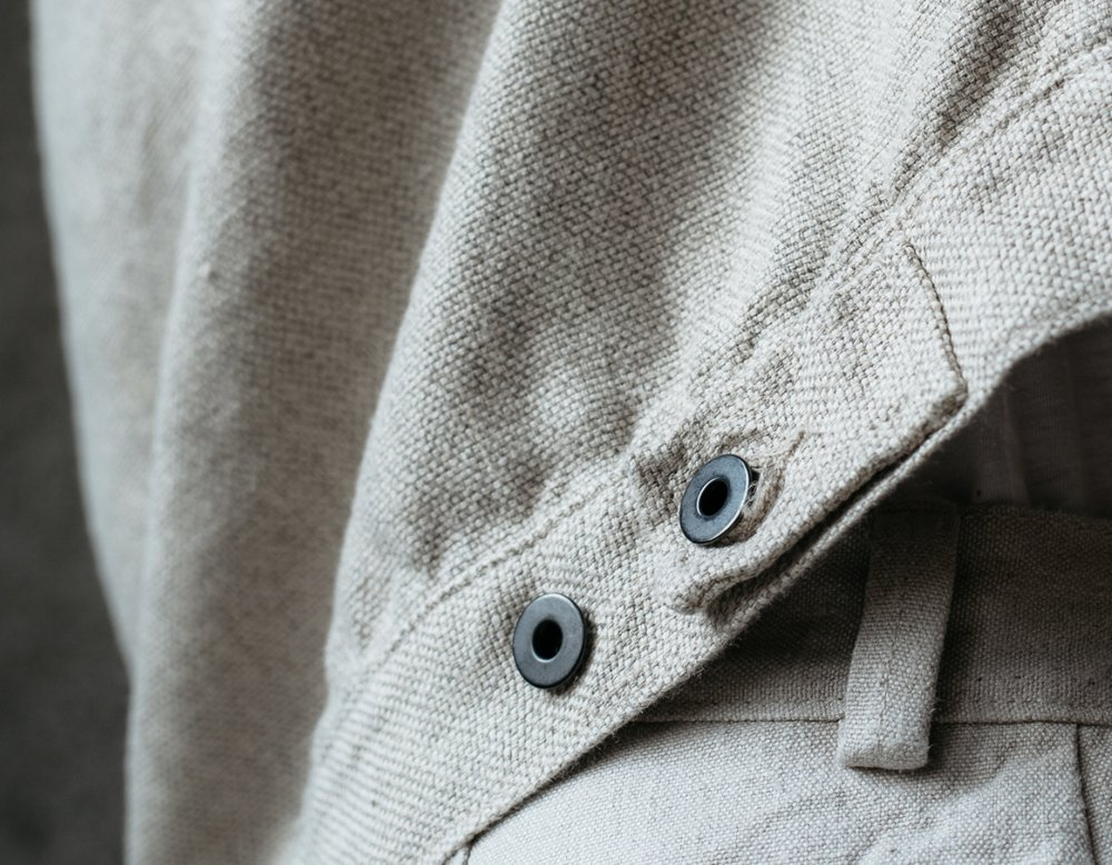 evan-kinori-pleated-jacket-yak-wool-hemp-hopsack-detail