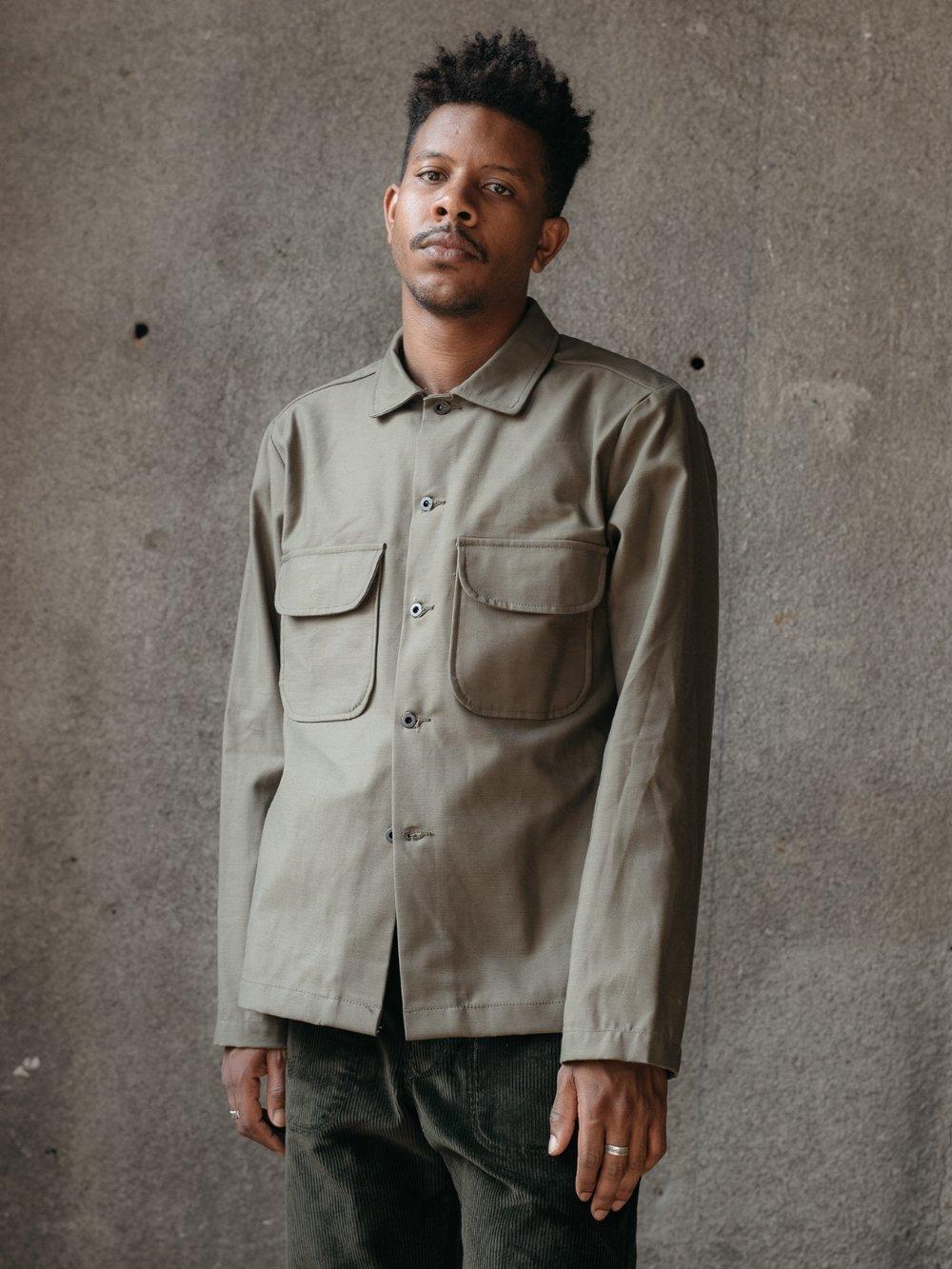 evan-kinori-field-shirt-olive-sateen-front